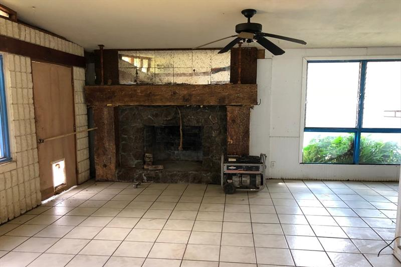 626601_addition-with-fireplace_MLSPhoto